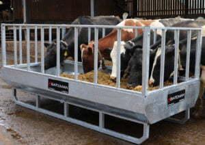 rectangular cattle feeder